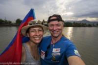 Tanja und Denis Katzer während einer Bootstour auf dem Fluss Teuk Chhou. Kambodscha.